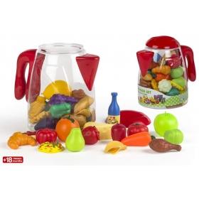Plastikowe warzywa w czajniku